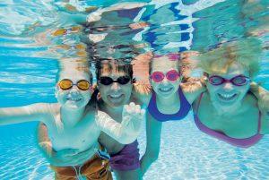à la piscine Nogent Nautique à Nogent-sur-Marne. Natation, aquagym, fitness!